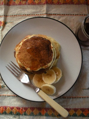 Buttermilk Pancakes with bananas and maple syrup
