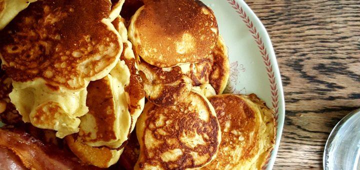 Bibliocook.com - butttermilk pancakes and bacon
