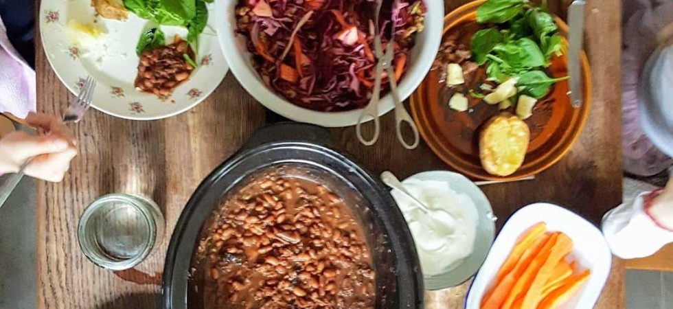 Bibliocook.com - oxtail and pinto bean stew for a slow cooker feast