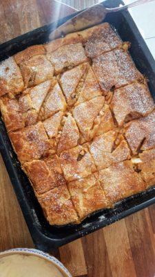 Bibliocook.com - slab apple tart