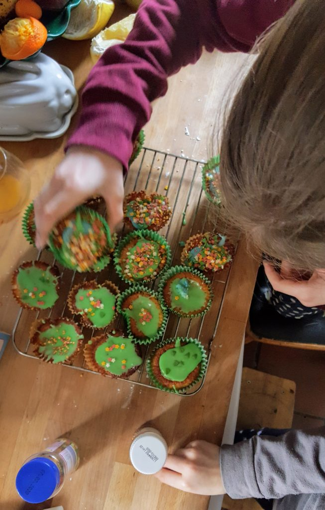 Bibliocook.com - Hannah cupcakes overhead