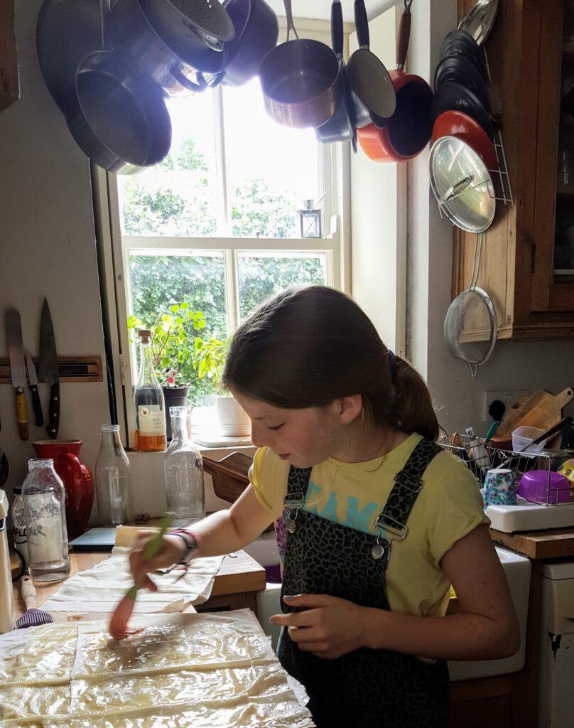 Bibliocook.com - Making crisp apple strudel - close up