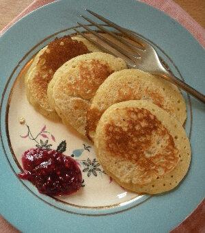 Irish food: pikelets with raspberry jam