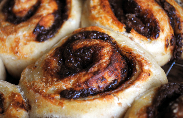 Bibliocook.com - Chocolate Nut Swirls from Bread on the Table by Valerie O'Connor