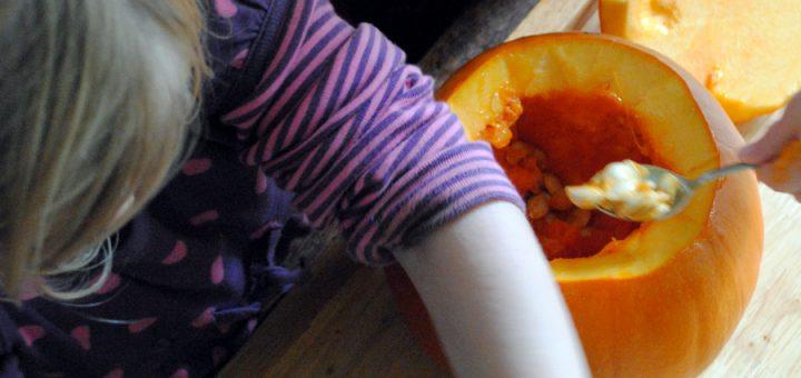 Bibliocook - pumpkin carving for Halloween