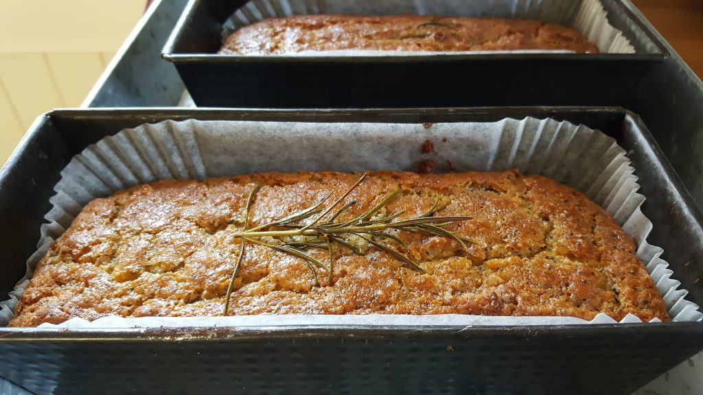 Bibliocook.com - Lemon, poppy seed, rosemary cake