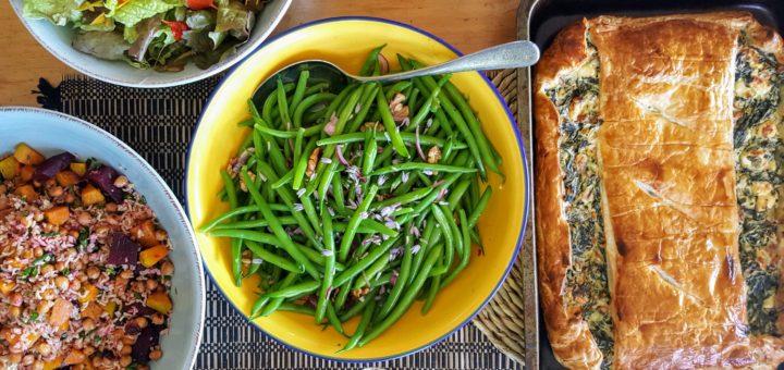 Bibliocook.com - Spanakopita and salads in NZ