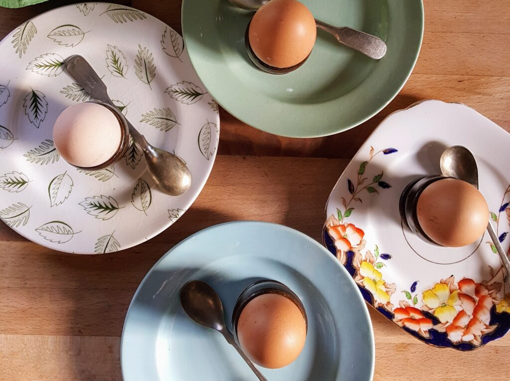 Bibliocook.com - egg in an egg cup