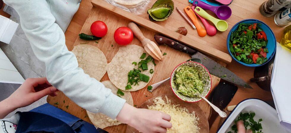 Bibliocook.com - kids in the kitchen - making quesie
