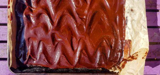 Bibliocook.com - chocolate weetabix slice
